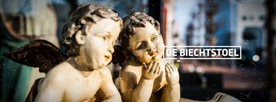 Engelenbeelden bij Grand Café De Biechtstoel