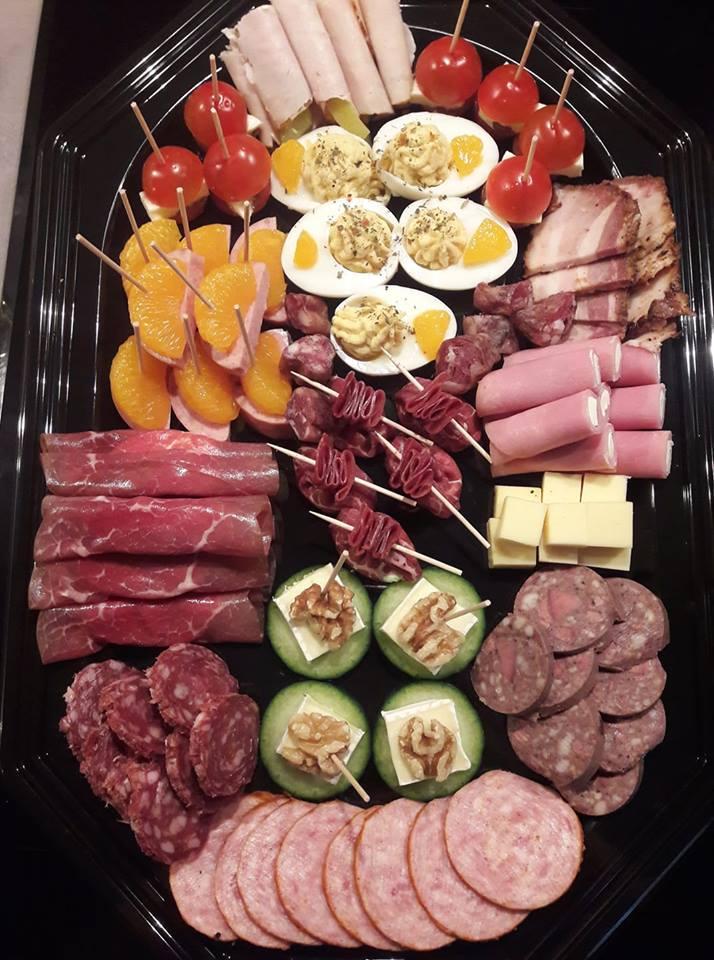 Hapjes schaal deluxe bij Ariena's hapjes en salades Wildervank