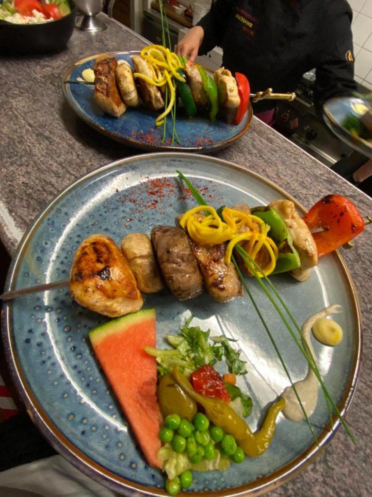 2-gangendiner bij Restaurant Macedonië